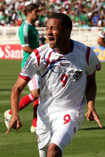 Panamá se llevó el triunfo 2-1 con gol tempranero de Gabriel Arturo Torr...