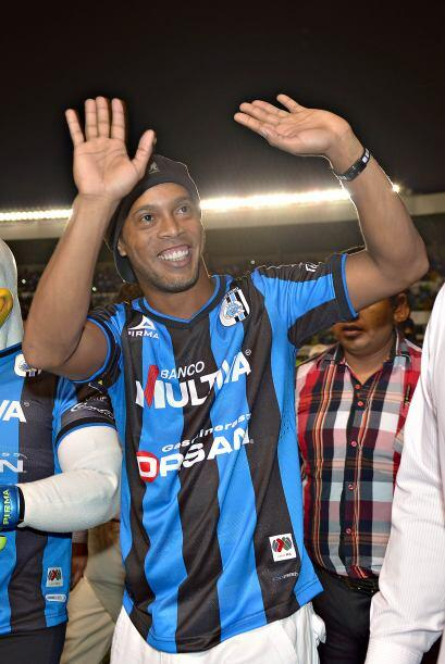 Bien es conocido que a Ronaldinho le gusta la fiesta, y eso podría jugar...