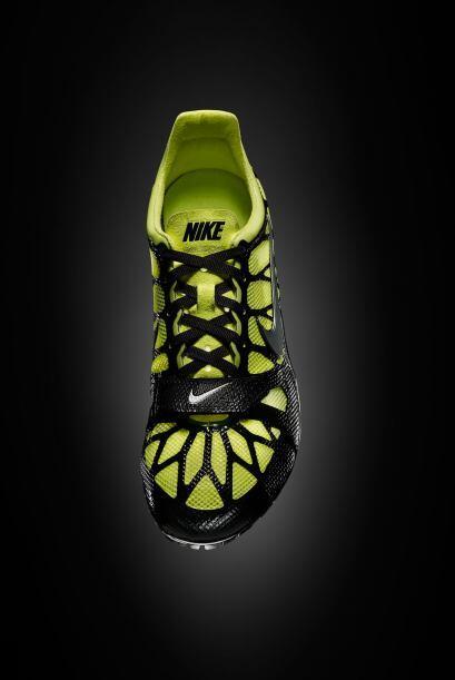 Configurada para los corredores de élite, el Nike SuperFly aprovecha la...
