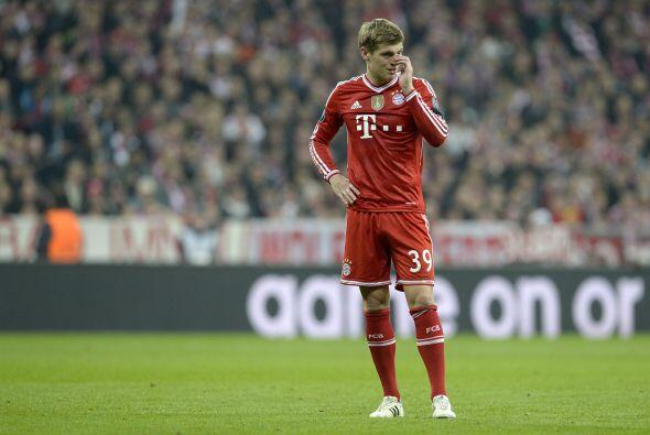 Kroos (5): El centrocampista asumió la responsabilidad con la pelota des...