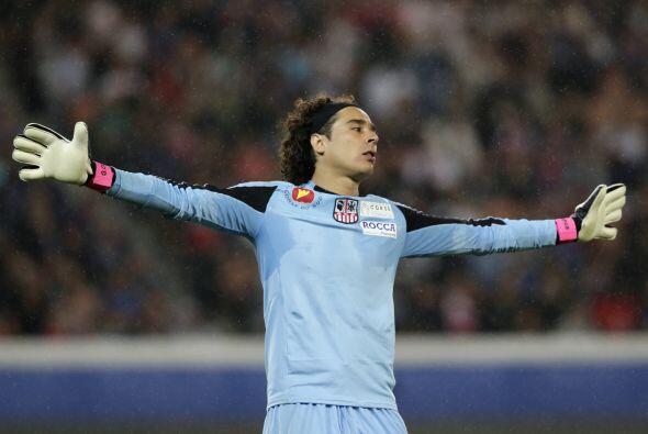 El primer juego que disputó Ochoa con Ajaccio, fue en la derrota de 2-1...