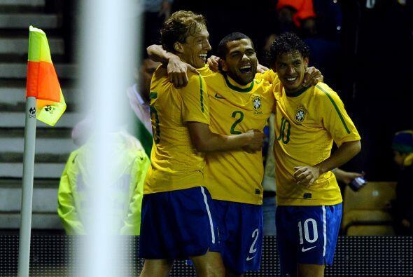 La ´nueva selección brasileña´ que dirige Mano Menezes ganó su tercer pa...