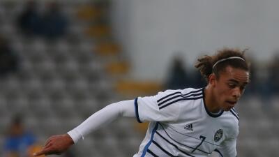 Yussuf Poulsen hizo los dos goles de Dinamarca.