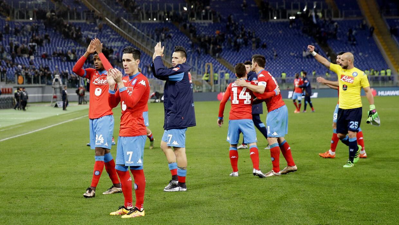 Nápoles sigue dominando el Calcio de Italia