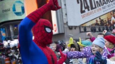 Un hombre disfrazado de Spiderman en Times Square. (Imagen de Archivo).