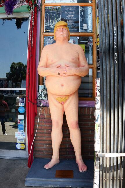 La estatua fue expuesta en el bulevar de Hollywood en agosto.