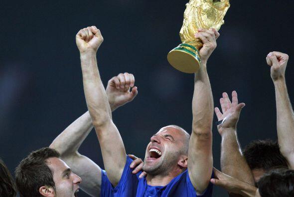 El título del mundo por fin volvía a ser para Italia y Del Piero tenía l...