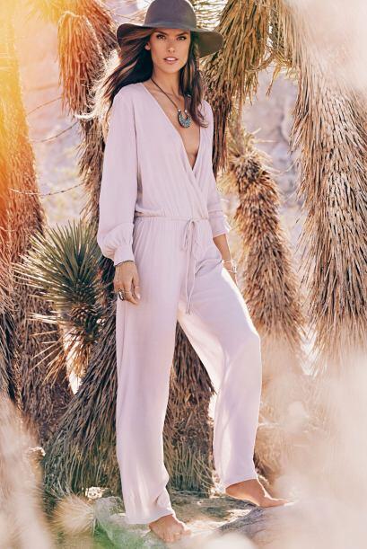 Una gran gama de tonalidades marrones, ropas blancas y colores inspirado...