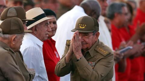 Castro, con 86 años, dejará la Presidencia el mes que viene, pero no se...