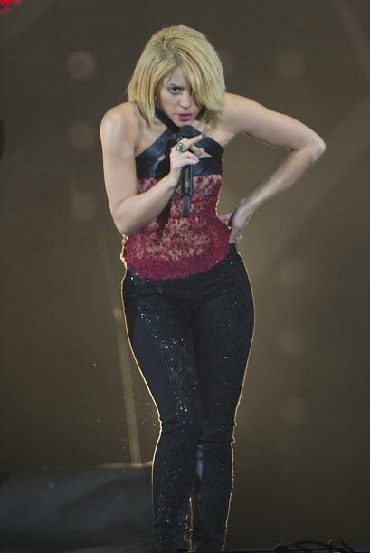 Algunos no estarán de acuerdo con este look, pero Shakira se sien...