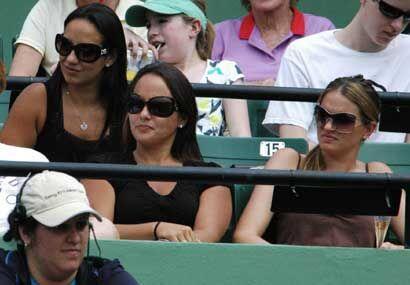 El tenis siempre está adornado con la presencia de las mujeres, 'fans' i...