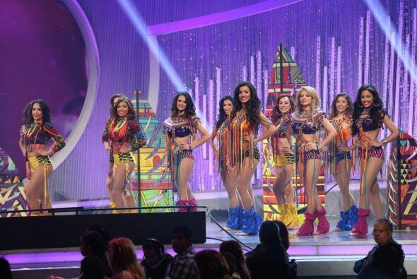 """Juanes trajo """"LUZ"""" al escenario de Nuestra Belleza Latina y las chicas g..."""