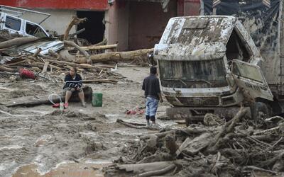 Se agotan las esperanzas de encontrar gente con vida en Mocoa, Colombia,...
