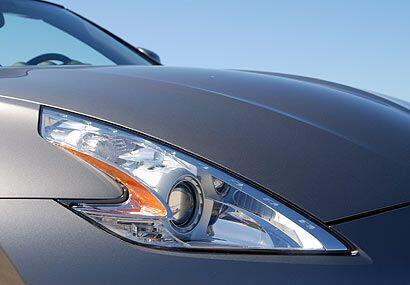 Si bien Nissan no tiene una parrilla que se asocie con la marca, las luc...
