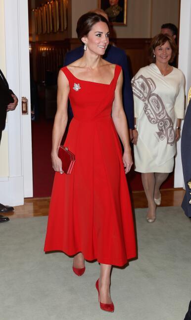 Los 50 mejores vestidos que usó Kate Middleton en 2016 GettyImages-61060...