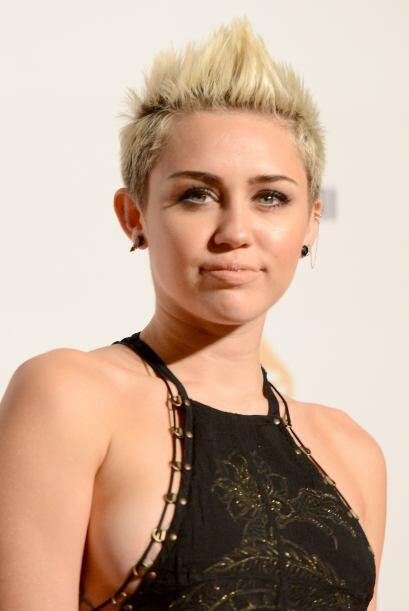 Miley Cyrus en vez de ser 'hot' se volvió un 'not' al llevar la tendenci...