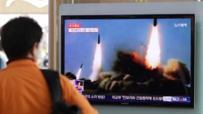 La tensión entre las Coreas se caldeó después de que los ejércitos de Py...