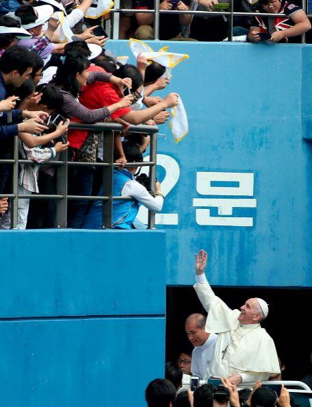 Al Papa aún le restan tres días en Corea del Sur y la emoción no cesa en...