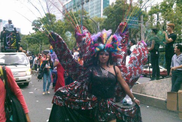 La marcha se desarrolló al estilo de un carnaval multicolor. Cr&e...