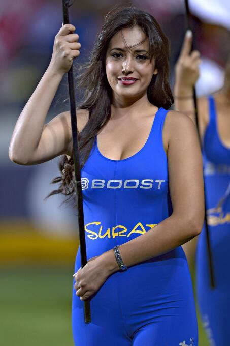 Las bellezas no faltaron en la ida de los cuartos de final del Clausura...