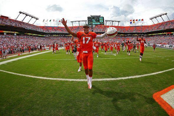 La victoria de los Hurricanes  21-16 sobre los rivales Gators de la Univ...
