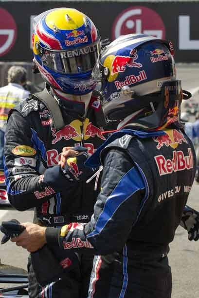 Vettel fue tibiamente felicitado por Mark Webber, quien quizá per...