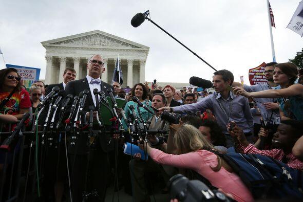 La decisión responde a la demanda presentada por Jim Obergefell (frente...