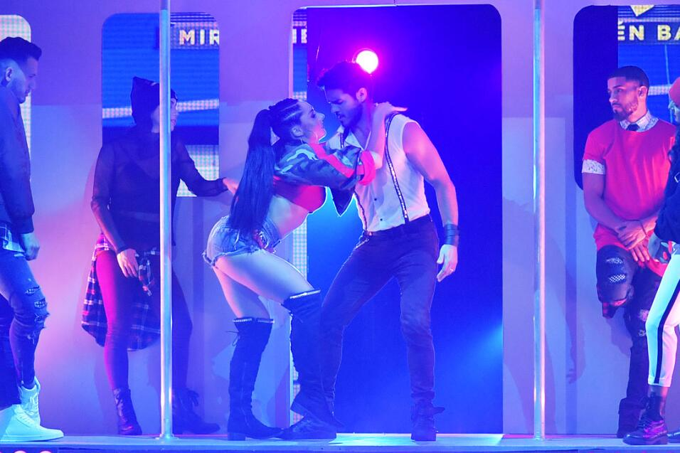 Ektor Rivera nos enseñó a bailar reggaetón lento.