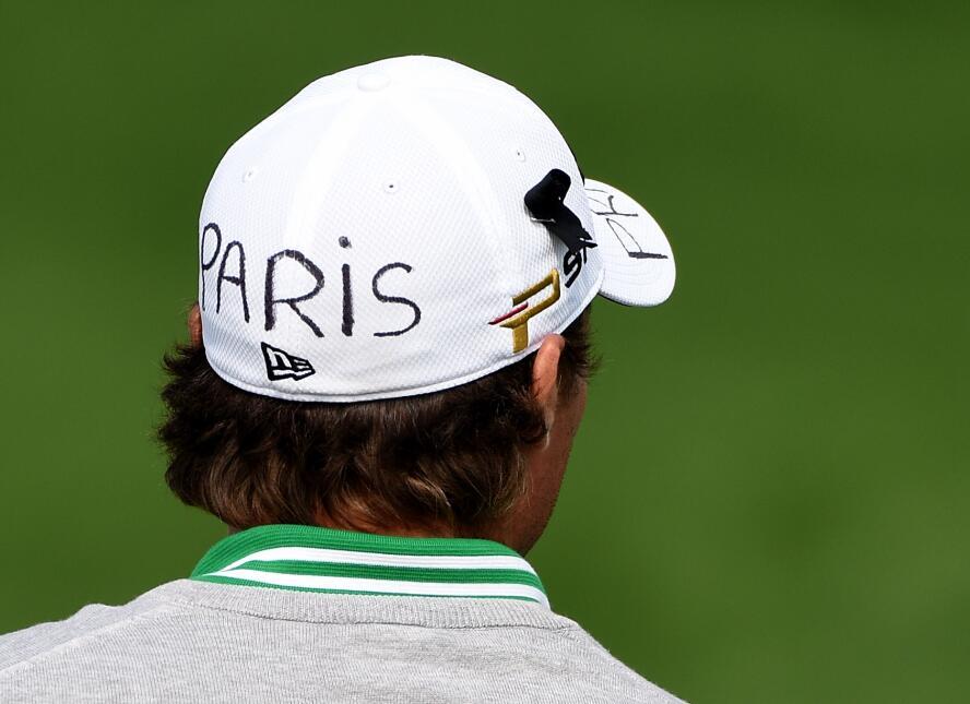 """Benjamin Hebert lució una gorra con el mensaje """"Recen por París""""."""