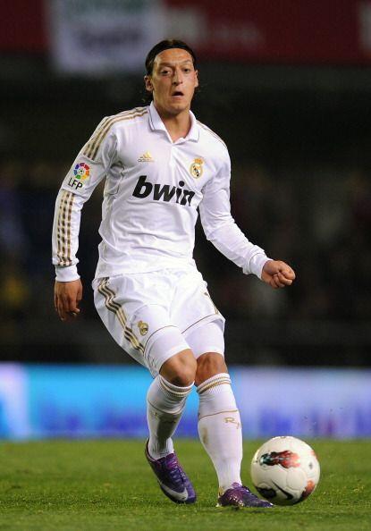 Otro de los que tuvo un año inolvidable fue Mesut Özil. El alemán se pus...