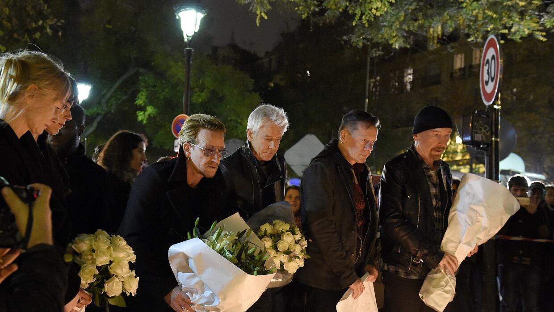 U2 durante vigilia en París