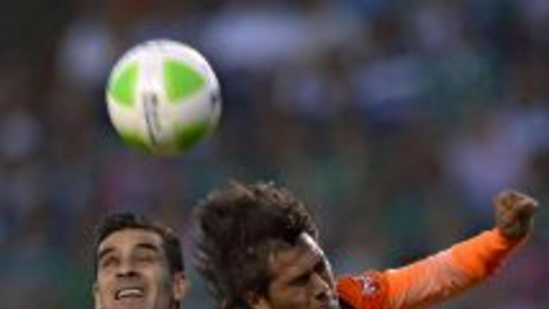 Rafael Márquez (7): Si bien no fue uno de sus mejores partidos, el capit...