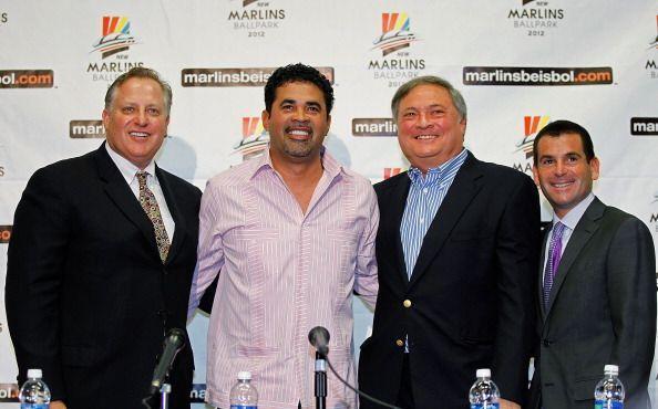 Ozzie Guillén oficializó su entrada como nuevo manager de los Marlins de...