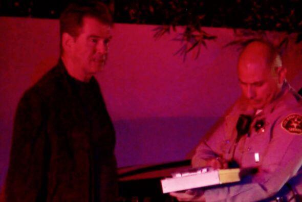El actor de 51 años vio desde su garaje como su casa se volvía cenizas.
