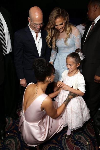 Rihanna estuvo feliz saludando a la gemelita.