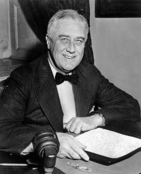 En 1942, Roosevelt autorizó el internamiento de más de 120...