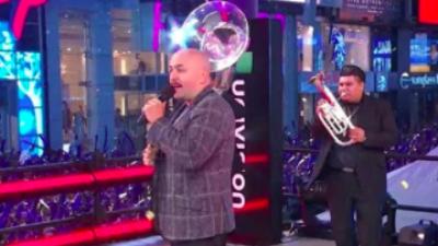 Lupillo Rivera estrena en Times Square un corrido en tributo a Raúl de Molina, 'el Gordo'