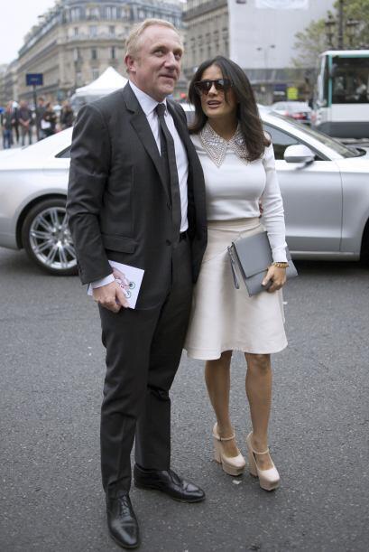 Esta pareja obviamente fueron vestidos en diferentes desfiles, pues no o...