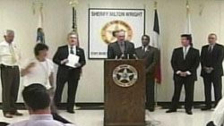 Duro golpe a narcotrafico en Fort Bend. Operativo arresto a mas de 50 pe...