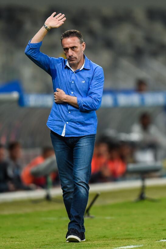 8. Paulo Bento (Portugal) - Chongqing Dangdai le paga 5 millones de euro...