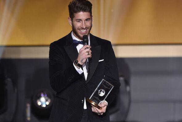El español Sergio Ramos también estuvo en el equipo ideal en la zona def...