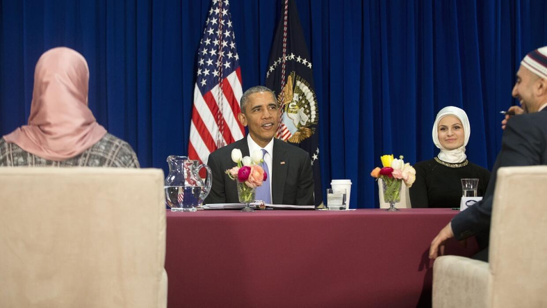 Barack Obama junto a musulmanes en Baltimore