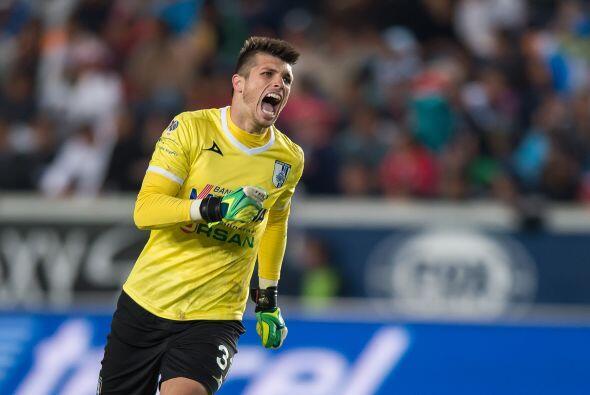 Tiago Volpi llegó al Querétaro para brindarle seguridad y confianza a la...