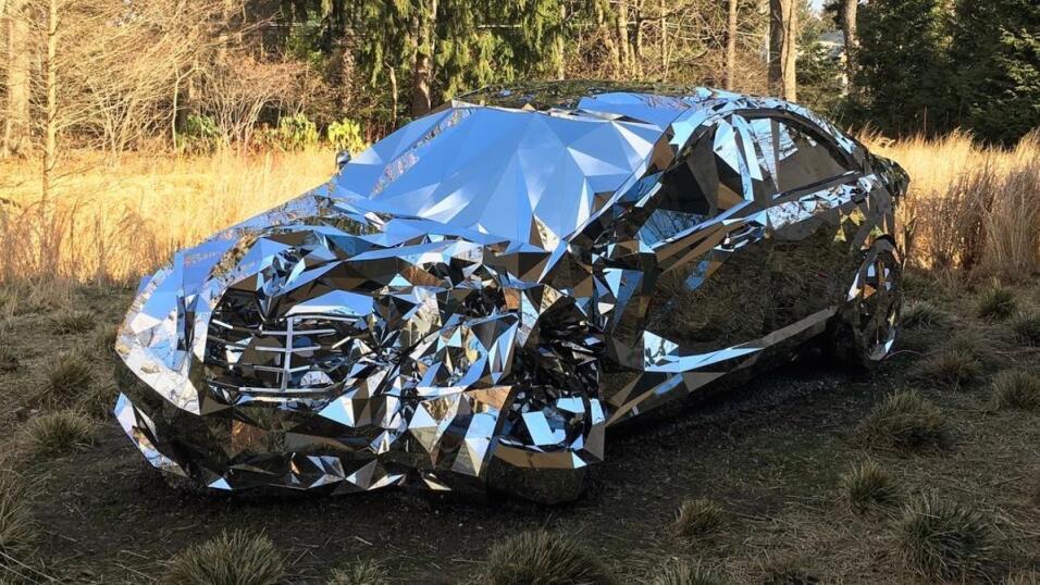 La ruina de un Mercedes-Benz como obra de arte Screen Shot 2017-06-30 at...