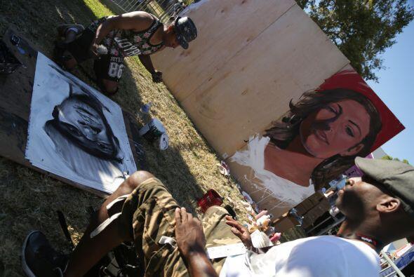Robert Vargas nos deleitó en vivo con su proceso creativo de pintar cara...
