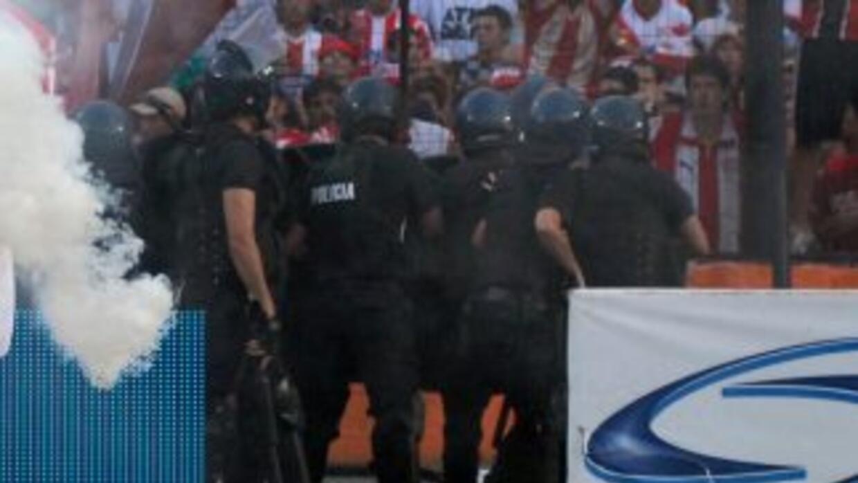 Las barras bravas vuelven a llenar de luto al fútbol argentino.