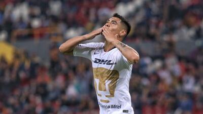 Pumas vence 2-0 a Leones Negros y gana su primer partido del semestre
