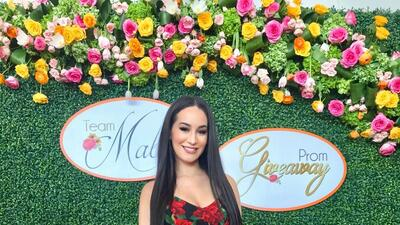 Victoria 'La Mala' se volvió el hada madrina de varias jovencitas para que tengan un inolvidable baile de graduación