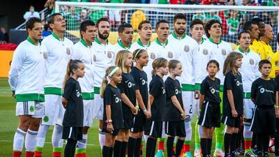 """Salido perdió los estribos: """"Los jugadores 'europeos' y la FMF se están cagand*&/ sobre la camiseta"""""""