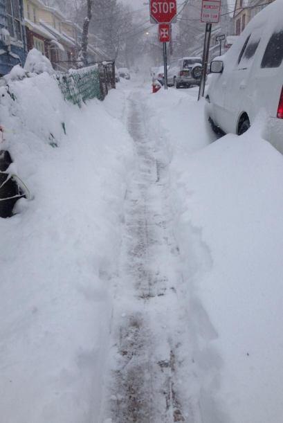 José Paredes, desde West, NY, nos muestra un camino totalmente cubierto...